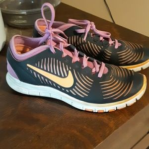 Nike Free tennis shoes size 6 5